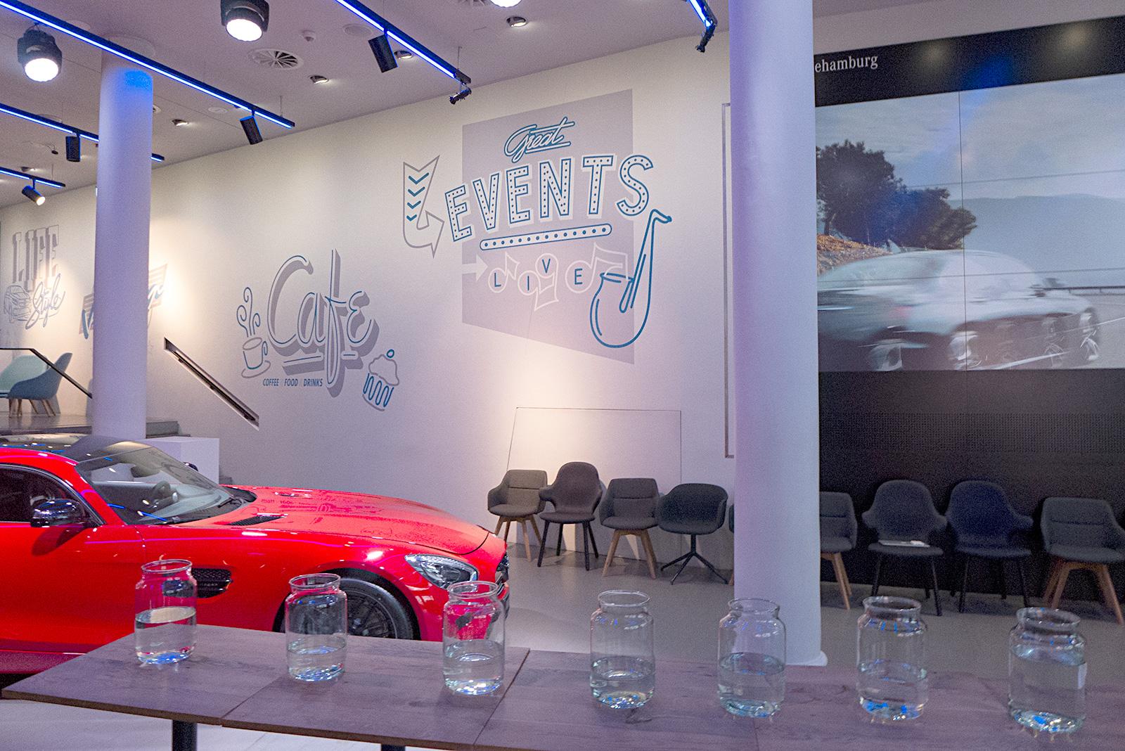 Wandgestaltung essen und trinken Mercedes store hamburg