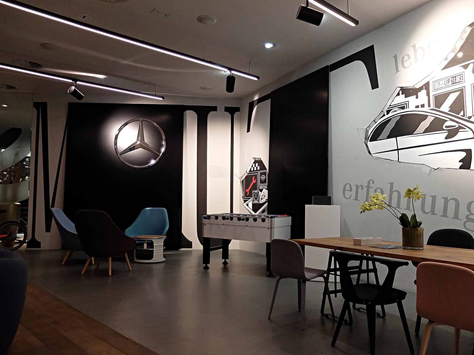 Wandgestaltung Mercedes store Hamburg Walldesign